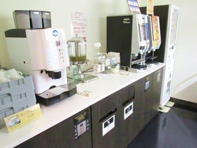 函館空港ラウンジA SPRING内の無料ドリンクサービス