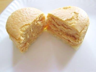 メルチーズ生キャラメル風味を半分に割ったところ