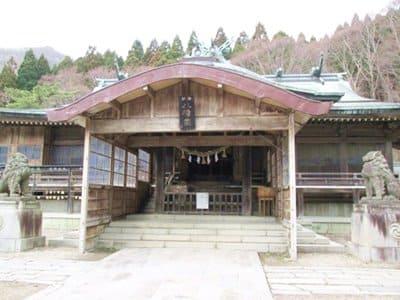 函館八幡宮の社殿