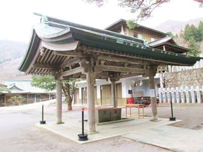 函館八幡宮の手水舎