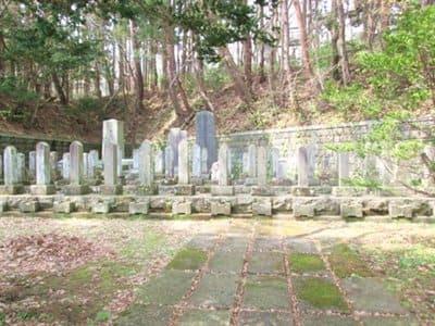 函館護国神社の新政府軍のお墓